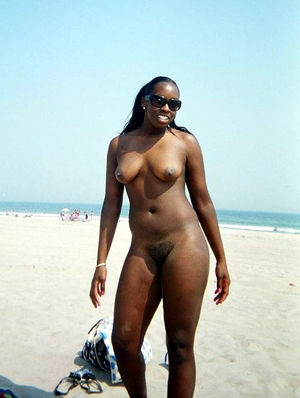 Pretty ebony girlfriend being a little..